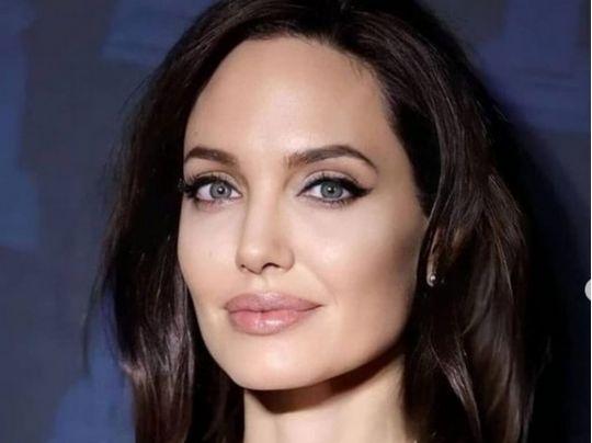Анджелину Джоли засекли уже на втором свидании с бывшим бойфрендом Беллы Хадид и Селены Гомес