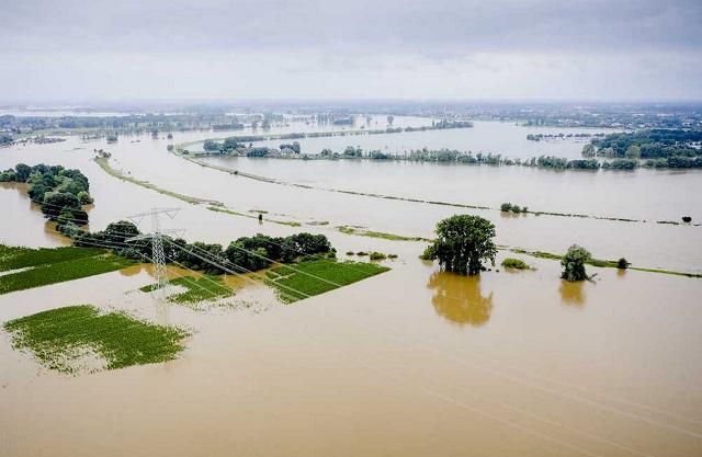 Наводнение в Европе: на юге Нидерландов прорвало дамбу