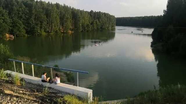 В России самолёт рухнул в водоем. Пилот скрылся, когда увидел полицию