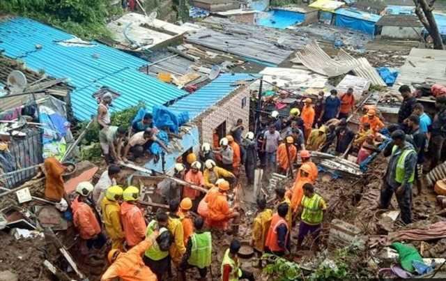 Сильные дожди привели к гибели 25 человек в Мумбаи