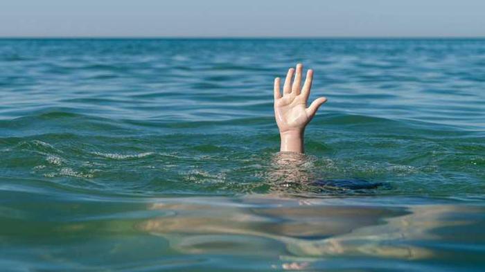 Трагедия в курортной Затоке: в море утонул отец, а его сын исчез