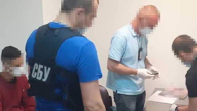 """Проглотил кило кокаина и провозил в багаже: СБУ задержала наркокурьеров в """"Борисполе"""""""