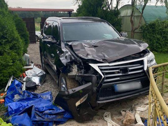 Полиция по горячим следам разыскала водителя престижного внедорожника, насмерть сбил пешеходов на Херсонщине