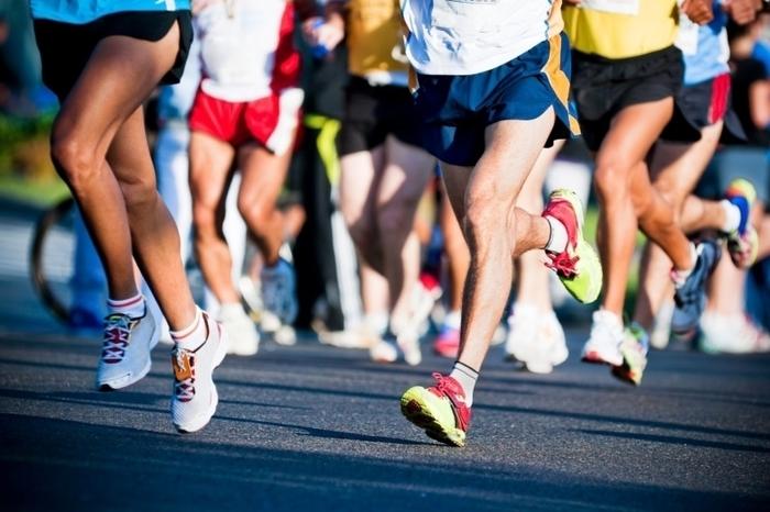 """В Днепре состоялся забег """"10k Night Run"""": фото яркого спортивного события"""