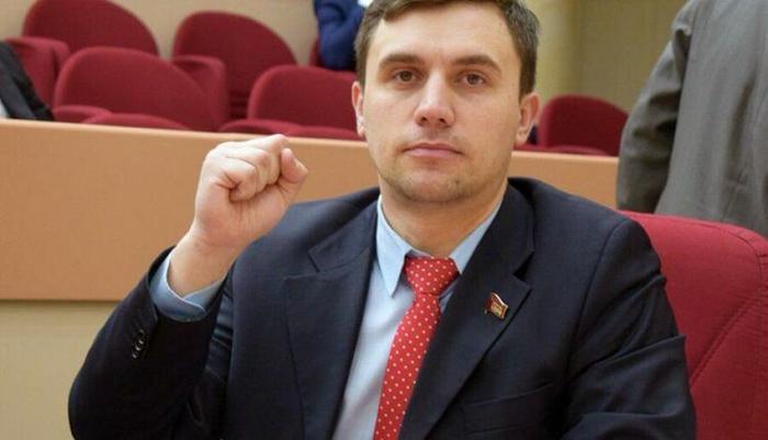 Коммунист Бондаренко заявил, что его планируют снять с выборов, обвинив в экстремизме