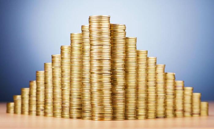 «Не знаю, на что буду жить»: обманутые вкладчики подсчитывают убытки после обвала новой «биржи»