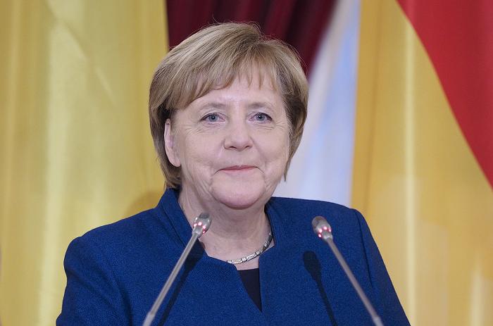 Во Франции заявили, что Меркель одурачила Украину в знак благодарности перед Россией