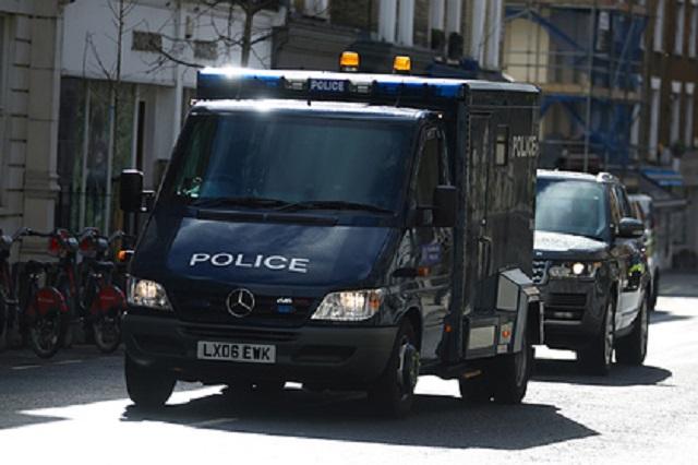 Трое продавцов кебабов получили по два года тюрьмы за избиение британца