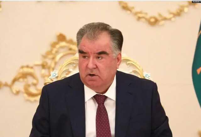 СМИ: Племянники президента Таджикистана избили министра здравоохранения после смерти их матери