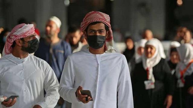 Самые строгие ограничения: в Саудовской Аравии невакцинированных почти никуда не будут пускать