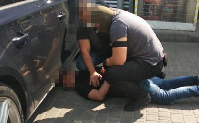 В Киеве немец получил взятку от иракца для миграционной службы
