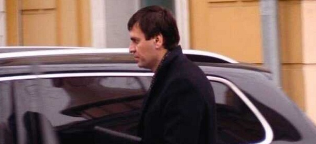 Будет ли аваковский следователь Дмитрий Бут брать взятки и при Монастырском?