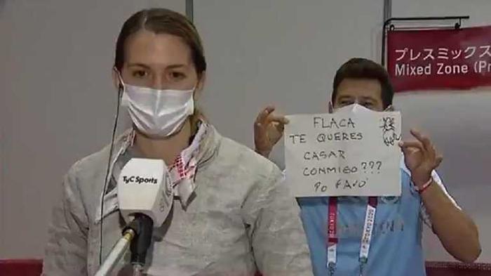 Тренер сделал предложение фехтовальщице в прямом эфире на Олимпиаде