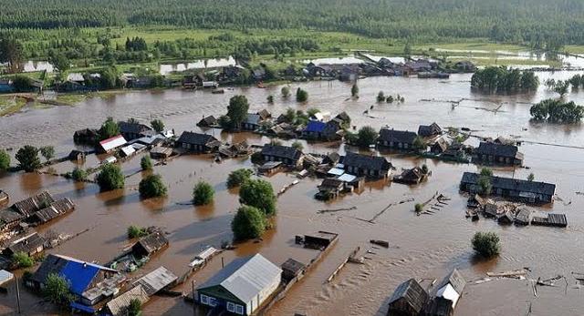 Внезапный ливень подтопил Черновцы: дороги превратились в реки