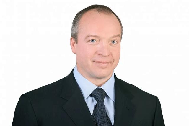 Депутат Госдумы Андрей Скоч в преддверии выборов стремится казаться добрым, скрывая свою связь с преступными группировками