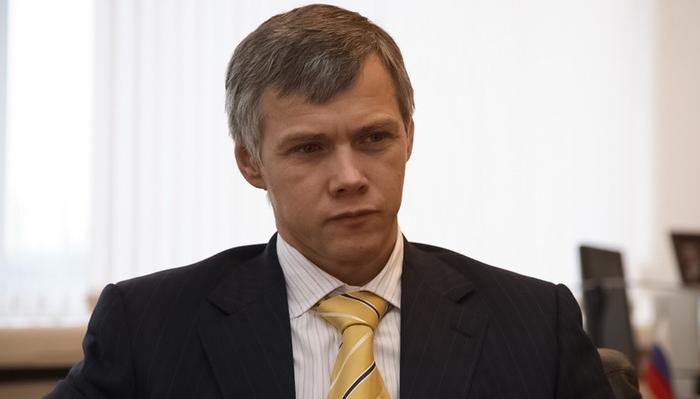 Депутат Госдумы Валерий Гартунг требует, чтобы поисковик «Яндекса» не показывал ссылки на «фейки» о нем