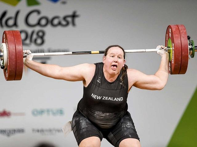 Трансгендер-рекордсмен на Олимпиаде: кто такая Лорел Хаббард и почему спортсменки считают, что ей не место на играх