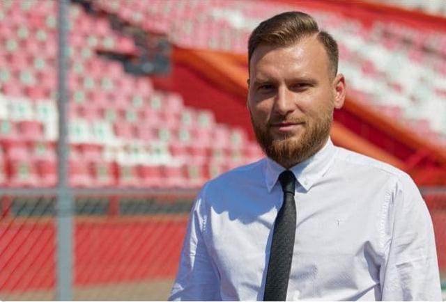 Скандальный начальник УГРО Вячеслав Горнеев подался в футбол