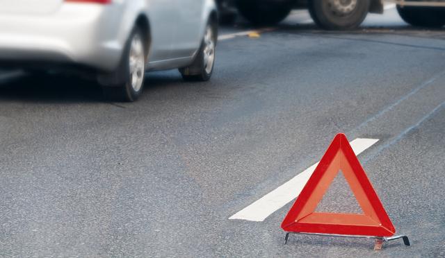 В Луганской области Toyota столкнулась с микроавтобусом, пострадали 9 человек