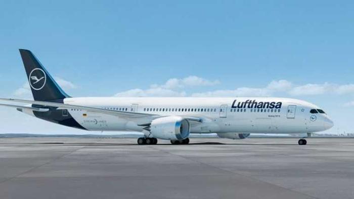 Lufthansa оснастит экономкласс спальными местами: как они будут выглядеть