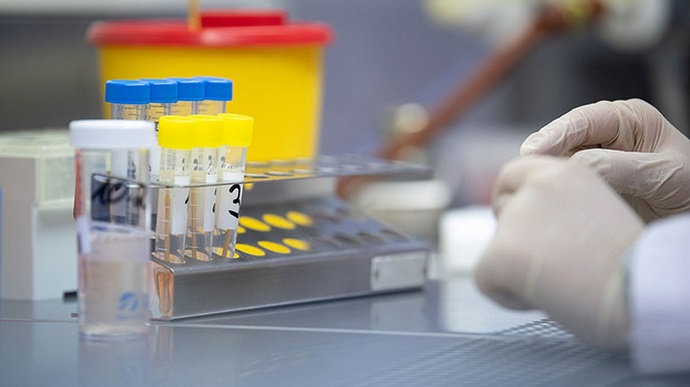 У женщины с лимфомой обнаружили 40 мутаций коронавируса: она болела COVID-19 318 дней