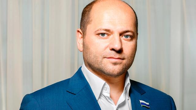 Свердловский депутат-единоросс за год увеличил свой официальный доход в 25 раз – с 4 копеек до 1 рубля