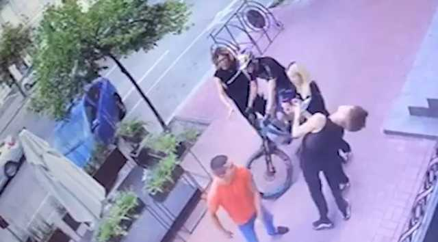 Появилось видео избиения танцора из балета Дорофеевой