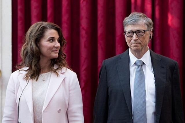 Билл Гейтс официально развелся с женой после 27 лет брака