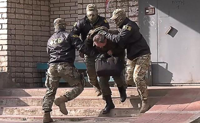 ФСБ показала видео задержания консула Эстонии