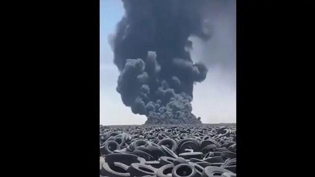 В Кувейте загорелась самая большая в мире свалка покрышек