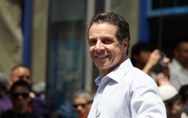 Губернатор Нью-Йорка обвиняется в домогательствах: пострадало несколько женщин