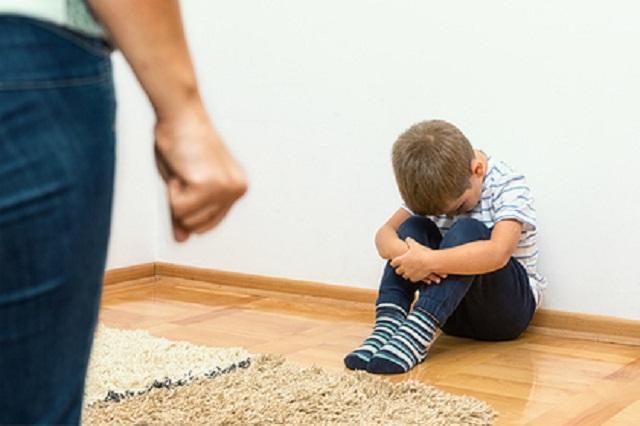 Пьяный россиянин душил восьмилетнего ребенка до потери сознания для воспитания