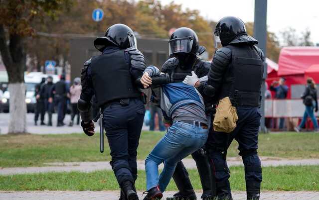В Беларуси силовики хотят создать группы офицеров для ликвидации оппозиционеров, - Латушко