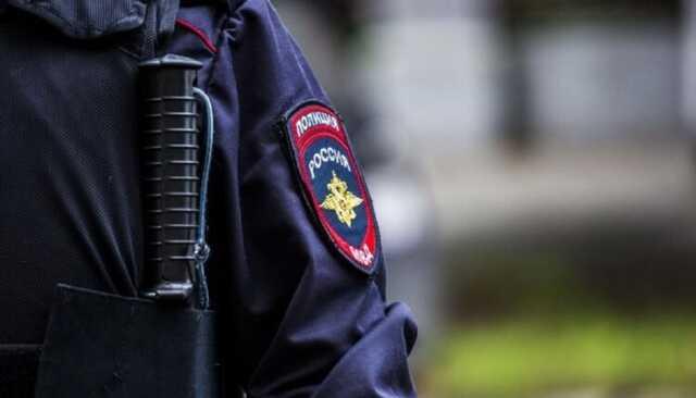 Полицейского, по пьяни угрожавшего детям пистолетом, суд приговорил к исправительным работам
