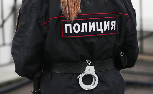 В России отец выбросил маленького ребенка с пятого этажа