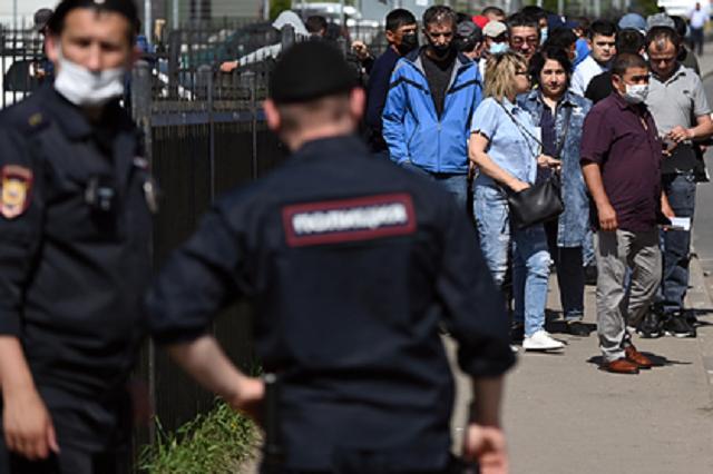 В центре Москвы мигранты устроили массовую драку