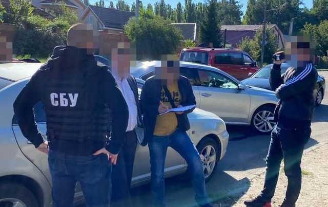 СБУ задержала на взятке в 20 тысяч долларов начальника Летной академии НАУ