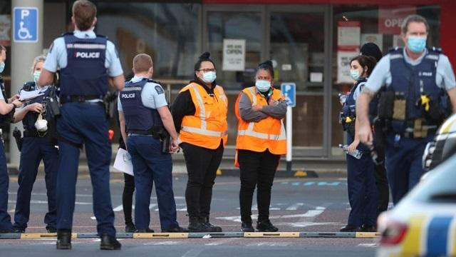 В Новой Зеландии произошел теракт в супермаркете: нападавшего пришлось застрелить