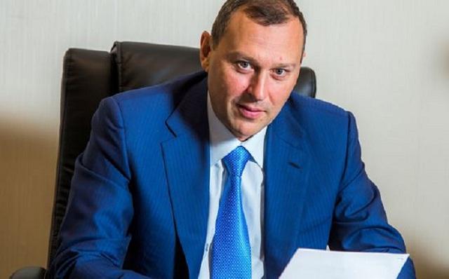 Почему Березин Андрей Валерьевич находясь в бегах пытается зачистить интернет?