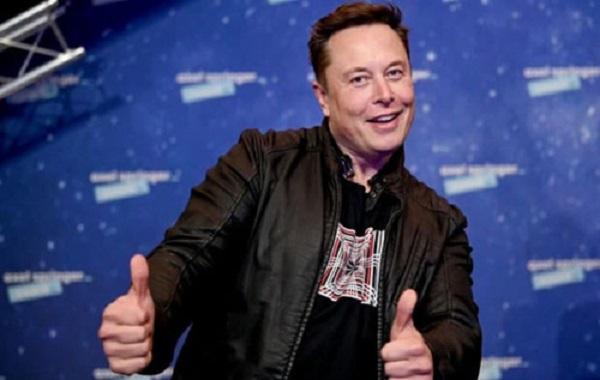 Илон Маск пообещал разогнать интернет почти до скорости света