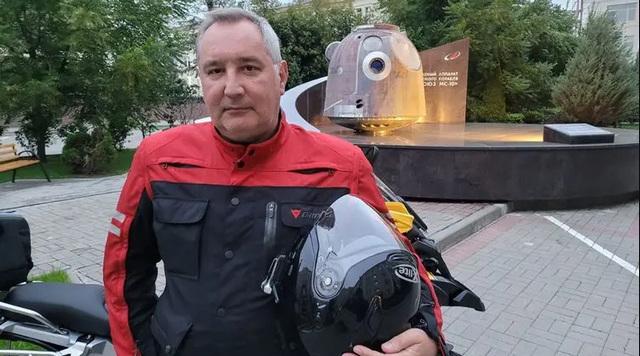 """Глава """"Роскосмоса"""" Рогозин попросил подписчиков не публиковать под его постами в сети """"малахольные рожицы"""""""