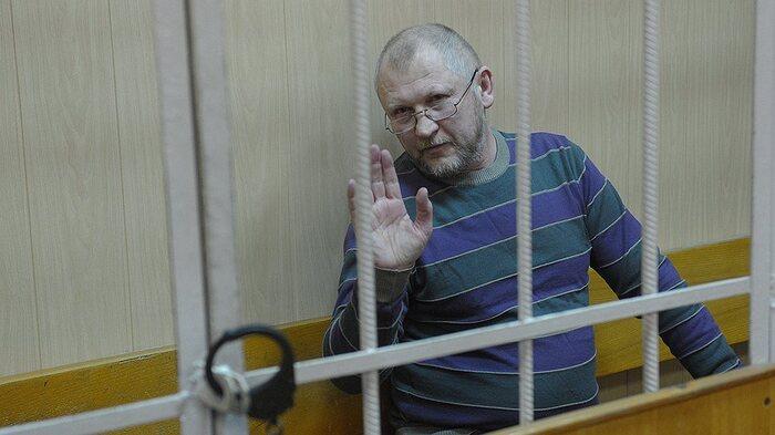 В ЕР петербургским политикам посоветовали отозвать поручительства за организатора убийства