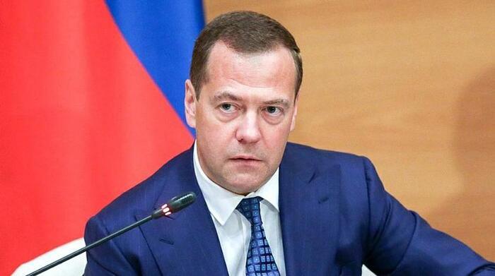 Председатель ЕР Дмитрий Медведев не приехал в общественный штаб партии после выборов