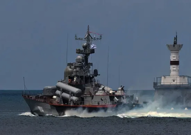 Россия начала крупные учения в Черном море
