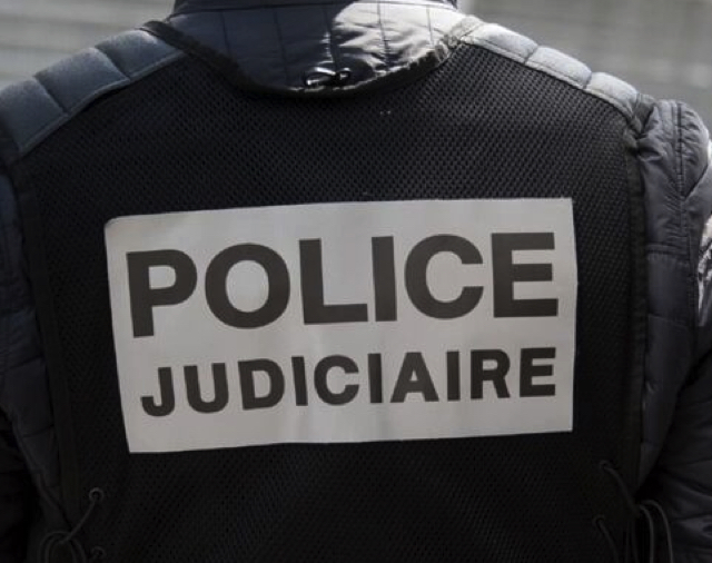 Во Франции задержали россиянина, который устроил стрельбу на Елисейских полях и ранил четырех человек