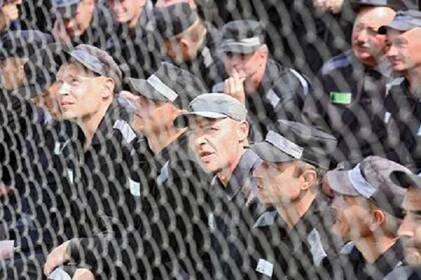 В России предложили засчитывать этапирование зэков в срок отбытия наказания