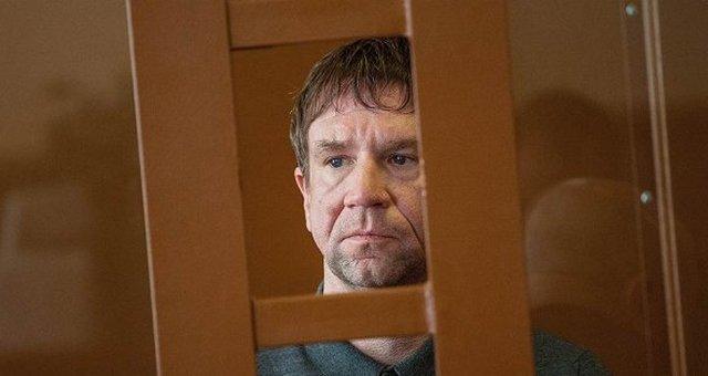 Банкир Антонов просит суд защитить его семью и детей