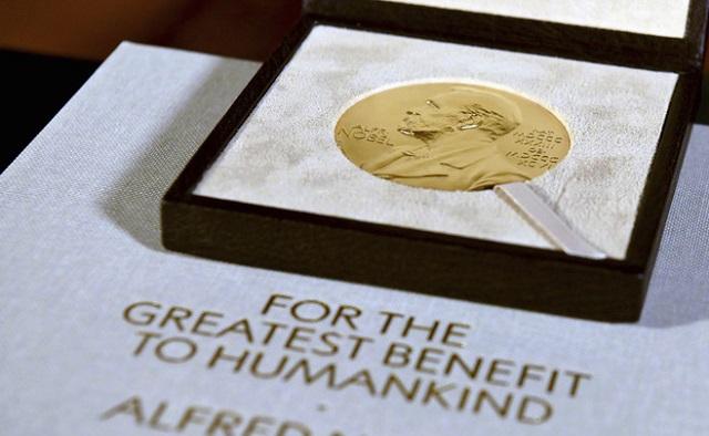 Лауреаты Нобелевской премии получат награды в своих странах