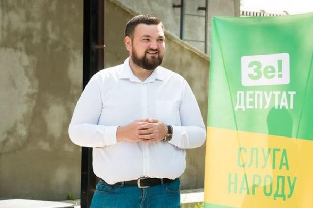 Ипотечный кредит не помешал депутату-юмористу из окружения «Квартала 95» купить роскошную иномарку за 1,8 млн грн
