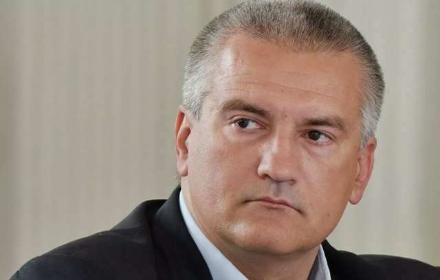 Аксёнов принял отставку главы Минтранса Крыма